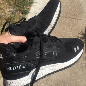 brand new 437cd b4982 Asics Shoes - ASICS Gel Lyte III Black with White Speckled Sole